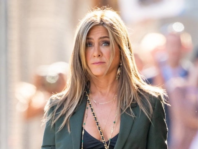Jennifer Aniston Just Teased a 'Friends' Reboot and Fans Are Freaking Out