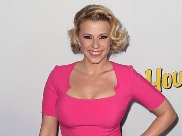 Jodie Sweetin, 'Fuller House' Star, Reveals First Season 5 Set Photo