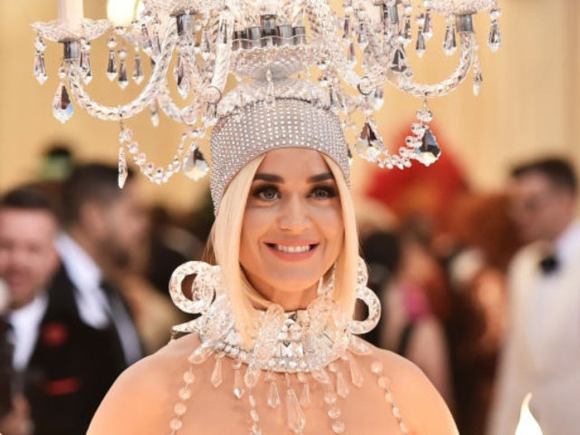 Met Gala: Katy Perry Just Arrived as a Chandelier, and No One Was Ready
