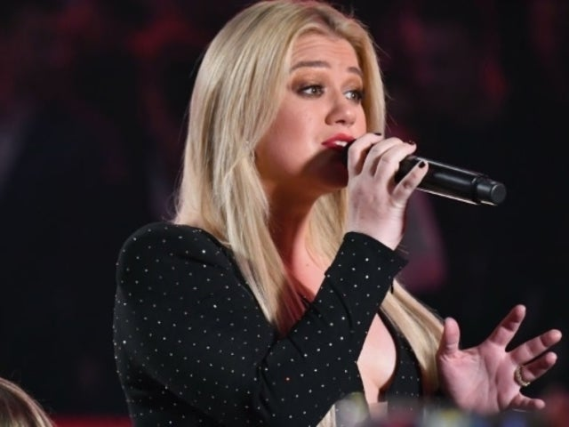 Kelly Clarkson's Hospitalization Prompts Concern From Fans on Social Media