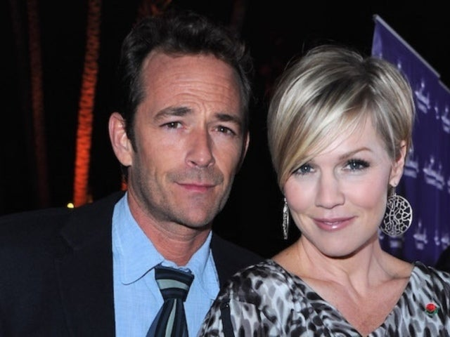 Jennie Garth Shares Touching 'Sign' Tribute to 'Beverly Hills, 90210' Co-Star Luke Perry