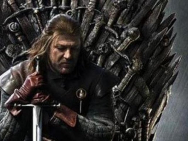 'Game of Thrones' Fans Stunned Over Major Spoiler to Series Finale in Season 1 Poster