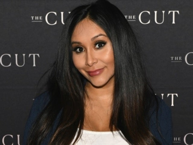 'Jersey Shore' Star Nicole 'Snooki' Polizzi Blasts Troll Alleging Plastic Surgery 'Changed' Her Face