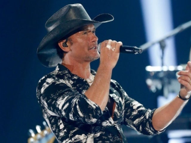 Tim McGraw Shows off Impressive Abs in New Photo, and Fans Can't Stop Gushing