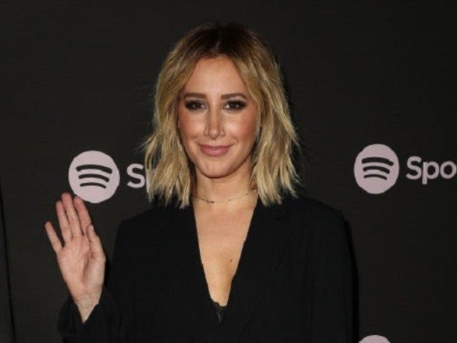 'High School Musical' Star Ashley Tisdale Publicly Blasts 'Clerks' Director Kevin Smith for Hitting Her Car