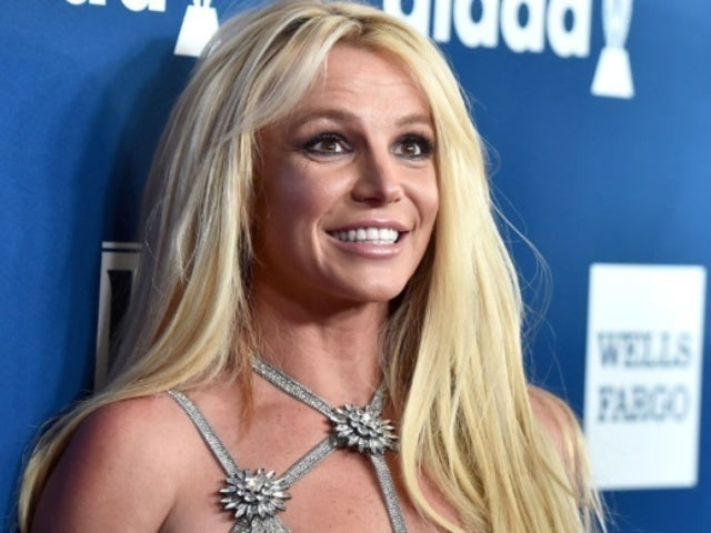 Britney Spears Reveals 'Alice in Wonderland' Halloween Costume in 'Day Late' Photo