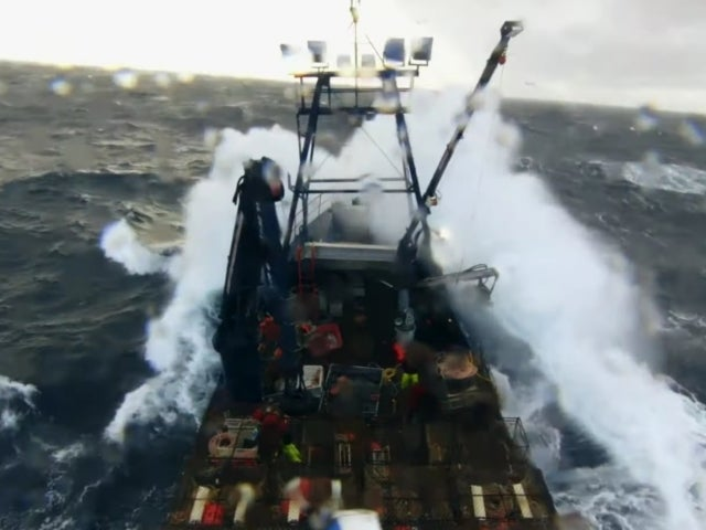 'Deadliest Catch' Captain Jake Anderson Pummeled by 20-Foot Waves During Massive Storm