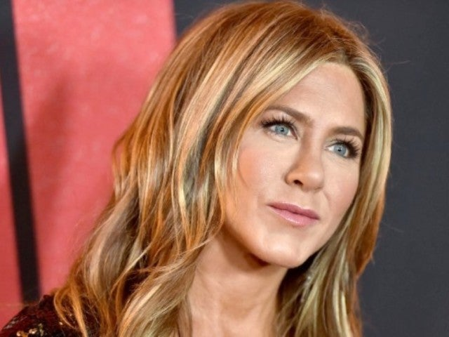 Here's Who Jennifer Aniston Texted During Mid-Air Plane Scare
