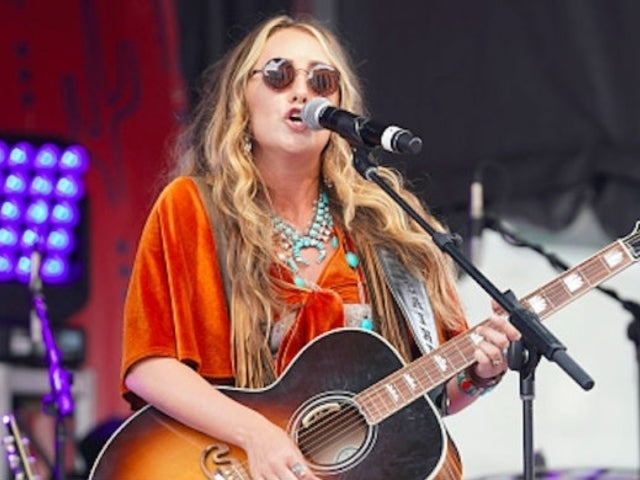 Lainey Wilson Goes From Camper Trailer to Signed Artist With Broken Bow Records