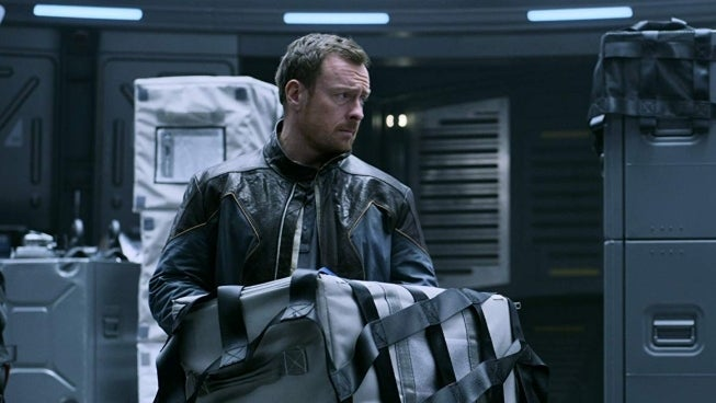 lost-in-space-toby-stephens-netflix