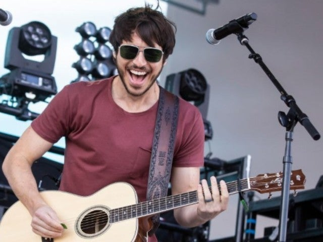 Morgan Evans Says Touring With Rascal Flatts Is 'Awesome'