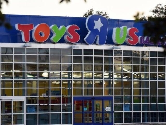 Toys 'R' Us Employees Set to Receive $2 Million Severance Payment Year After Massive Closeout
