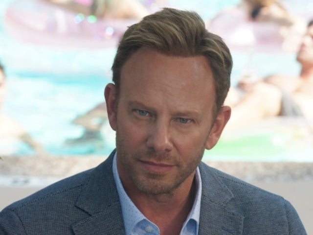 'BH09210' Brought out 'Sharknado' Fans Thanks to Ian Ziering