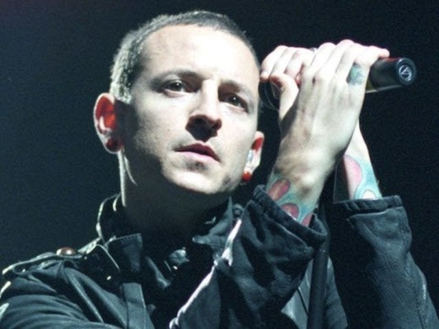 Chester Bennington's Mother Reveals Photo of Last Kiss She Received From Linkin Park Singer