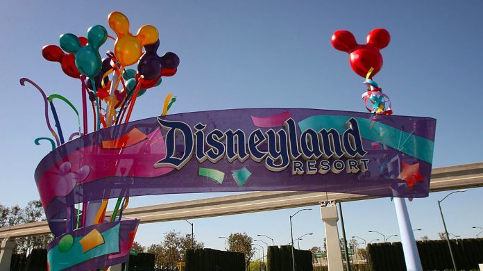 disneyland-viral-fight-family-members-charged