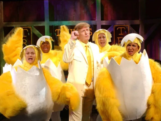 'SNL' Skit of Donald Trump Dressed in  Yellow Suit Surrounded by Dancing Chickens Resurfaces, and Twitter Loves It