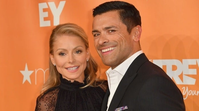 kelly ripa mark consuelos getty images