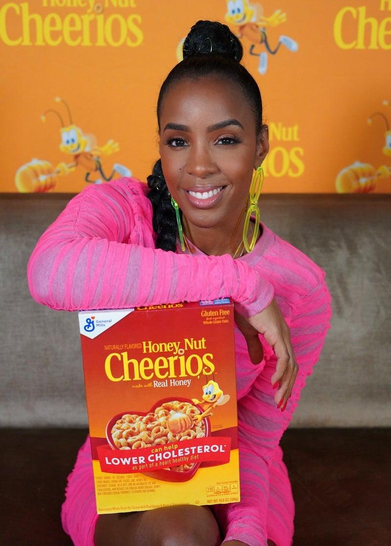 Kelly Rowland - Honey Nut Cheerios