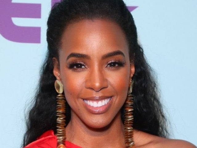 'The Voice' Fans Have Thoughts About Kelly Rowland's Netted Gown