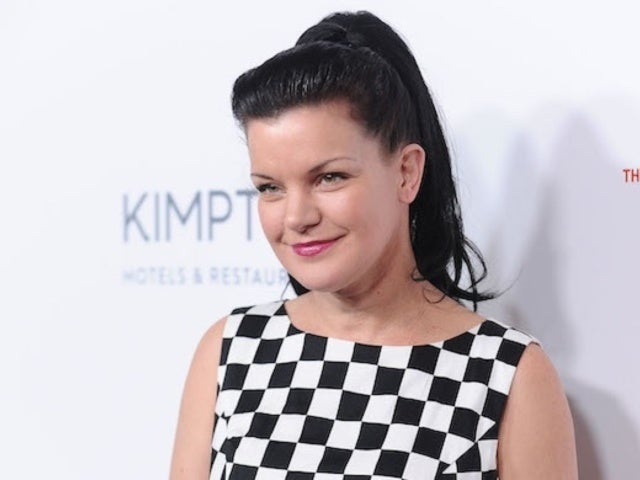 Pauley Perrette, 'NCIS' Alum, Snaps Photo With Jamie Lee Curtis and Fans Can't Deal