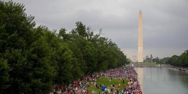 salute-to-america-trump