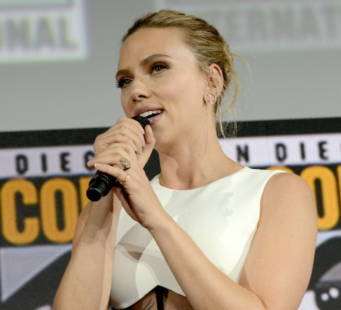 scarlett-johansson-engagement-ring_getty-Albert L. Ortega : Contributor