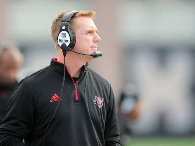 Arkansas State Head Football Coach Pens Letter After Wife Dies From Cancer