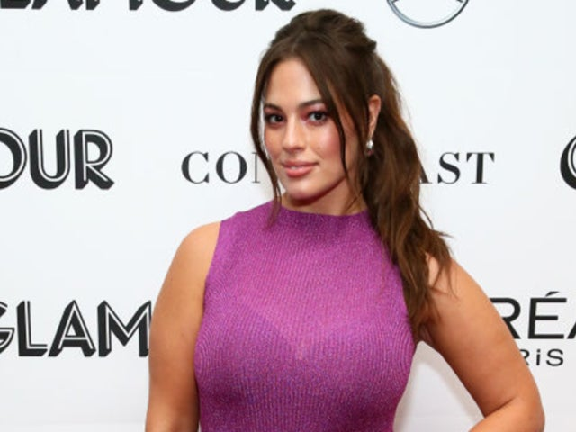 Ashley Graham Applauded by Fans for Intimate Photo in the Buff Following Pregnancy Announcement