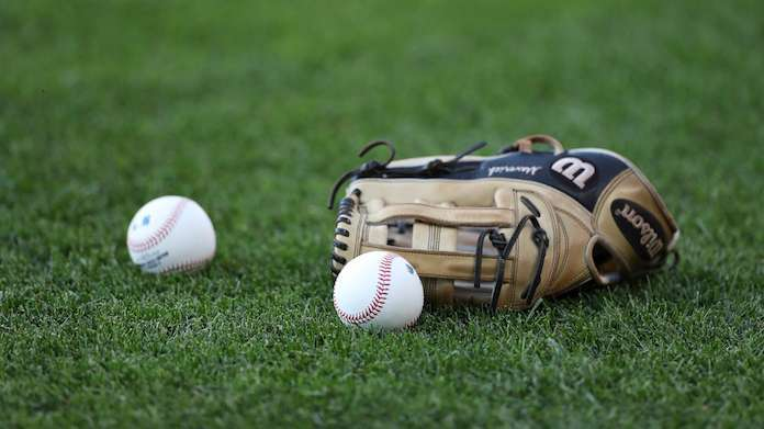 baseball-glove-Getty-Images