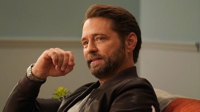 bh-90210-episode-3-fox-shane-harvey-jason-priestley
