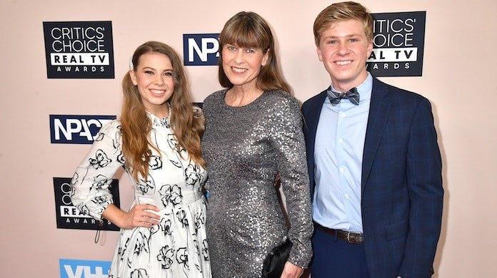 bindi-irwin-robert-mom-getty