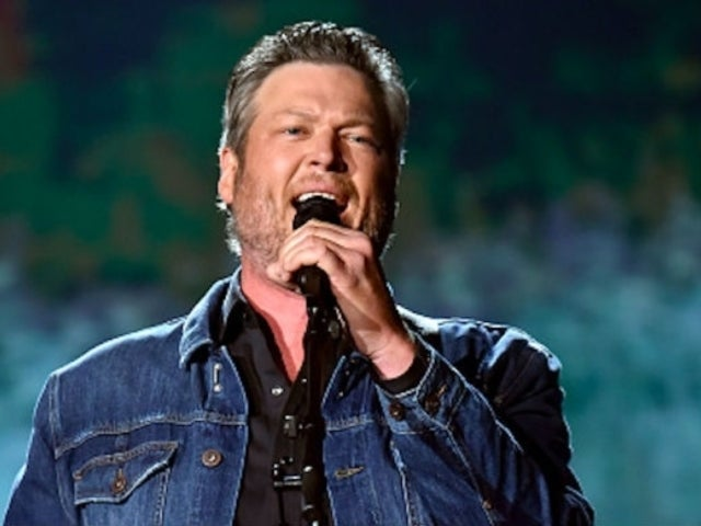Watch Blake Shelton Perform 'Hell Right' in the Rain at Gillette Stadium
