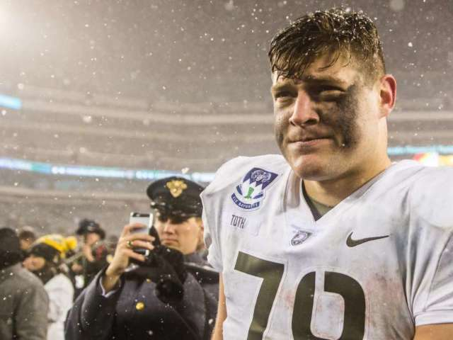 Former Army Lineman Brett Toth Given Military Waiver to Play for the Philadelphia Eagles