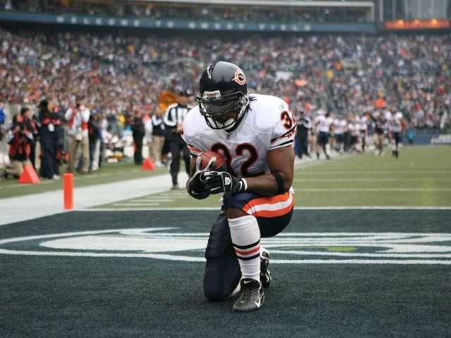 Social Media Mourns NFL Running Back Cedric Benson's Death