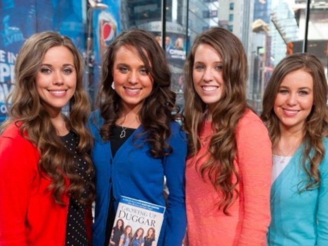 'Counting On' Stars Jessa and Jinger Duggar Pose Together During Surprise L.A. Reunion