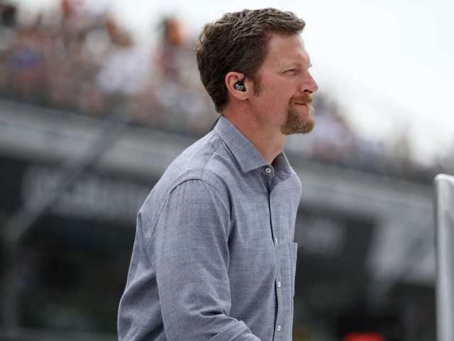 NASCAR Gives Free Tickets to First Responders of Dale Earnhardt, Jr. Plane Crash