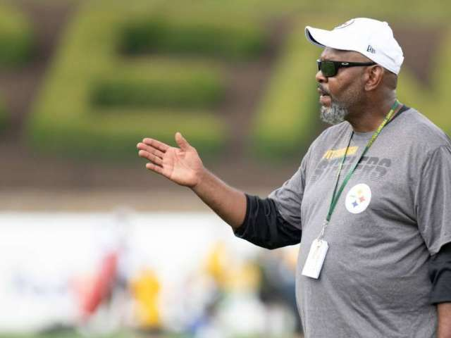 Steelers Name Replacement Wide Receivers Coach for Fallen Darryl Drake