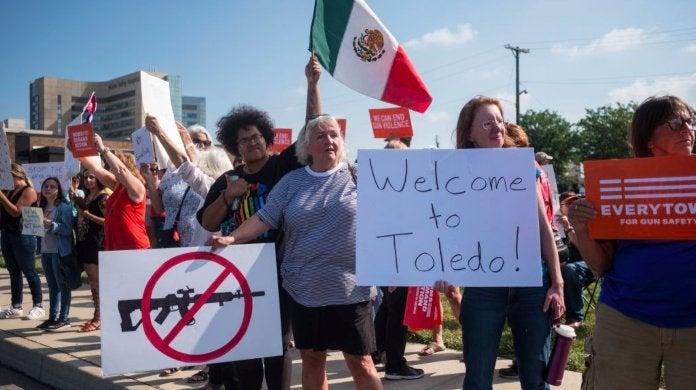 dayton-shooting-president-trump-visits-dayton-protesters