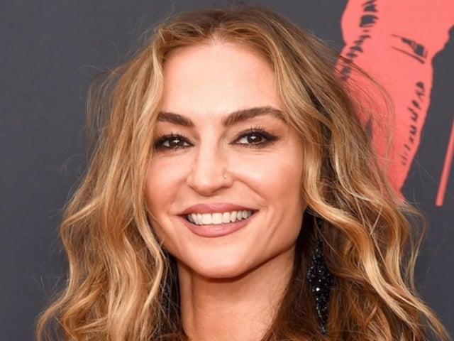 'Sons of Anarchy' Alum Drea De Matteo Makes Surprise VMA Appearance, and Fans Are Swooning