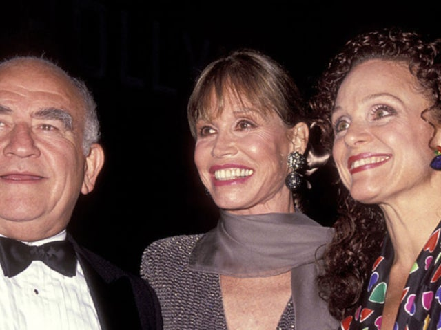 'Mary Tyler Moore' Co-Star Ed Asner Remembers 'Great Friend' Valerie Harper After Her Death at 80
