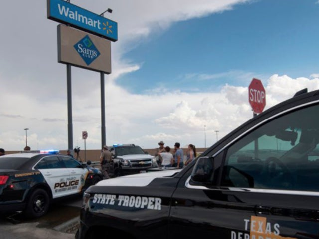 Walmart Banning Carrying Guns in Stores, Ending Ammunition Sales Has Twitter Sounding off