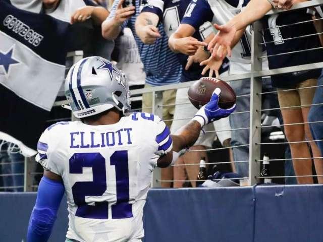 Cowboys Fans React to Ezekiel Elliott Signing New Contract