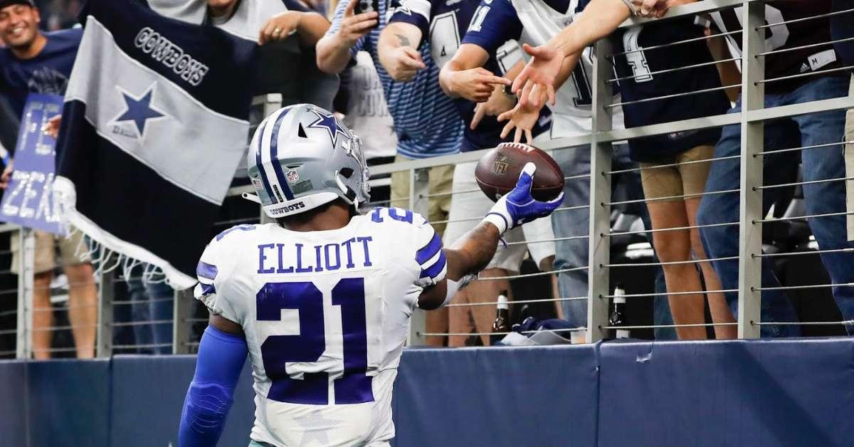 Ezekiel Elliott Dallas Cowboys Fans edge set next move
