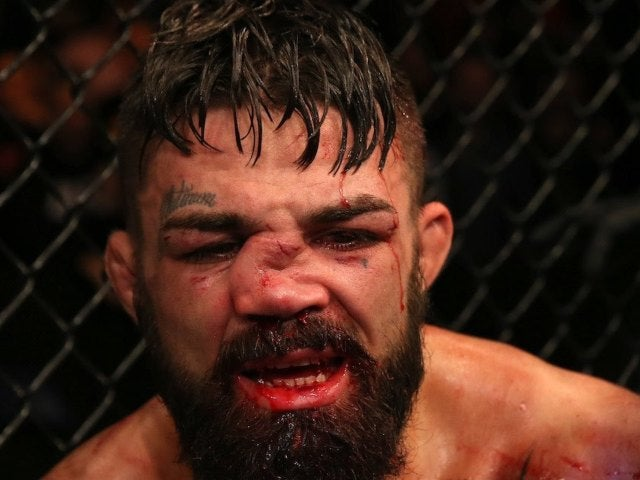 MMA Fighter Mike Perry Suffers Brutally Broken Nose at UFC Uruguay