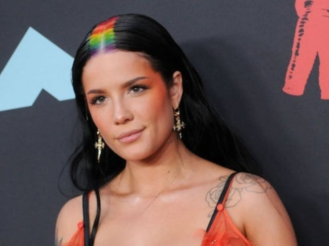 Halsey Responds After Being Slammed for Texting During Shawn Mendes' VMAs 2019 Performance