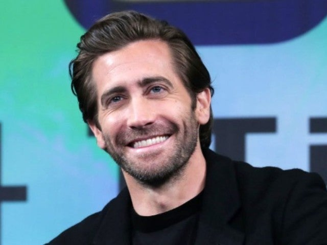 Jake Gyllenhaal and Girlfriend Jeanne Cadieu Make First Public Appearance
