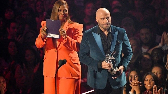 john travolta queen latifah vmas getty images