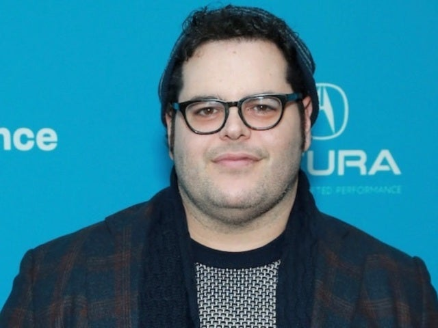 'Frozen' Star Josh Gad Posts Hilariously Adorable 'Foot Tap Technique' While His 'Child Is Raging'