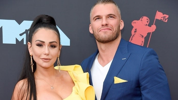 VMAs 2019: JWoww Makes Rare Red Carpet Appearance With New