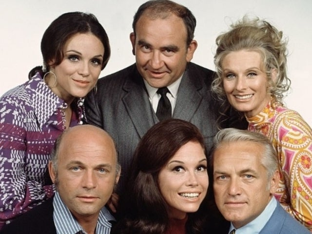Valerie Harper: Friends and Co-Stars Remember Legendary 'Mary Tyler Moore' Actress